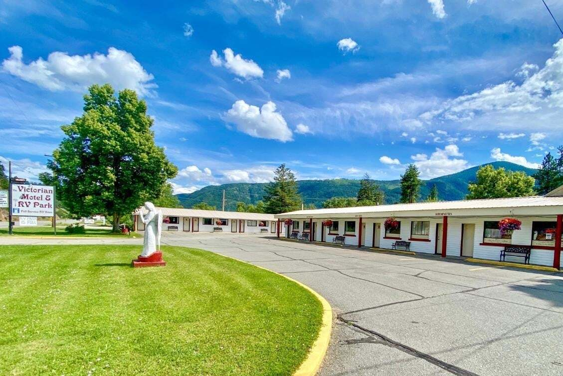 Home for sale at 6451 Highway 3  Grand Forks British Columbia - MLS: 2440057