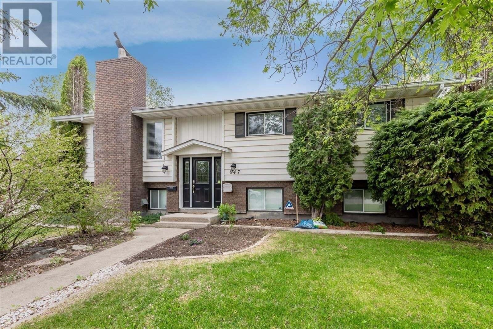 House for sale at 647 Redberry Rd Saskatoon Saskatchewan - MLS: SK810288