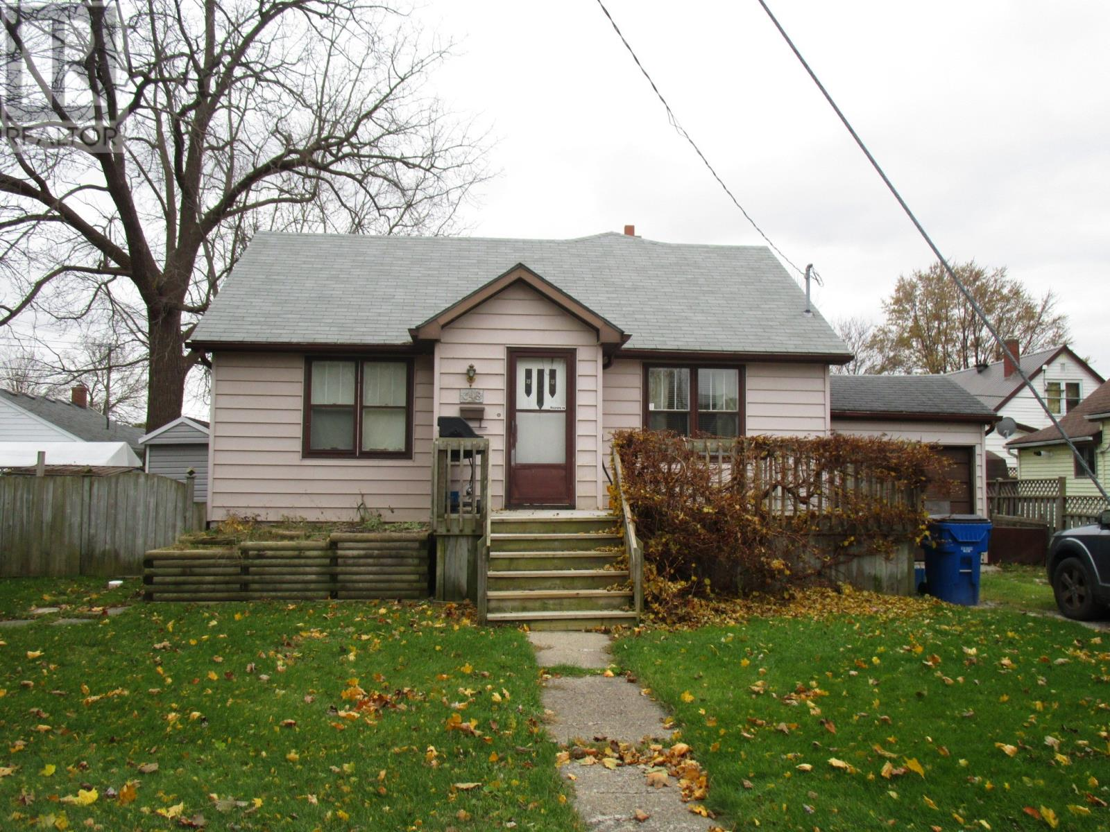 Removed: 648 Wallace Street, Wallaceburg, ON - Removed on 2019-01-08 04:36:12