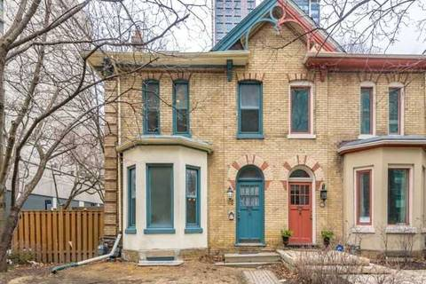 Townhouse for rent at 65 Huntley St Toronto Ontario - MLS: C4576512