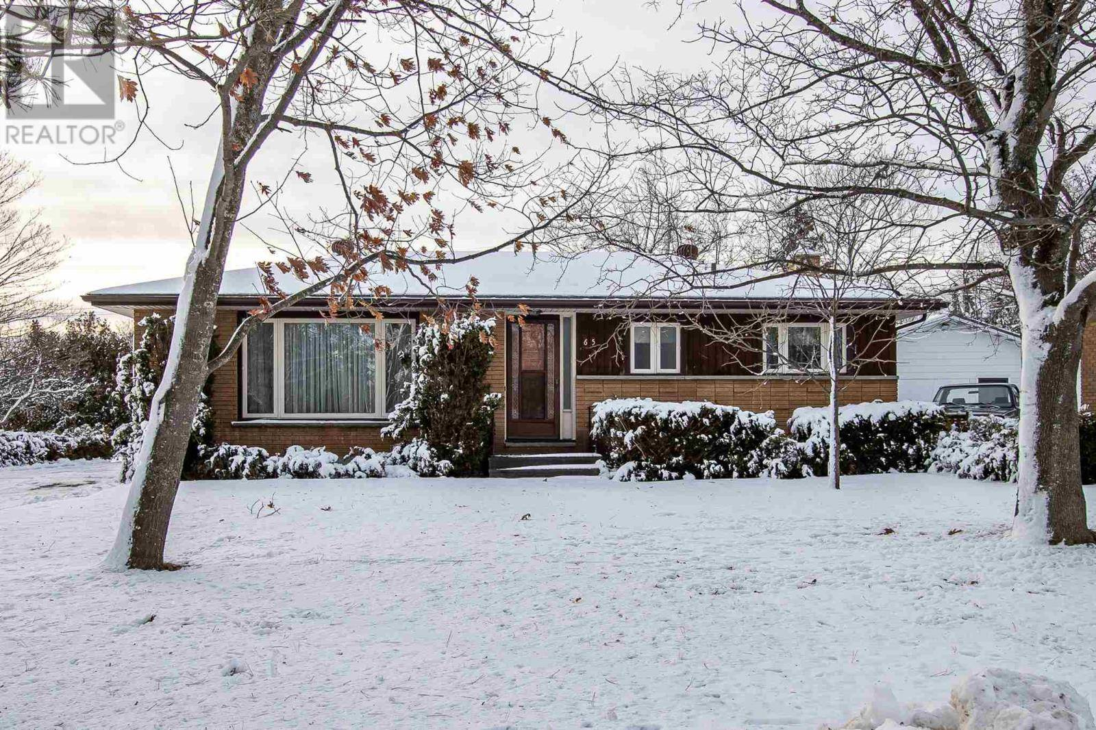 House for sale at 65 Irwin Ave Sault Ste Marie Ontario - MLS: SM127536