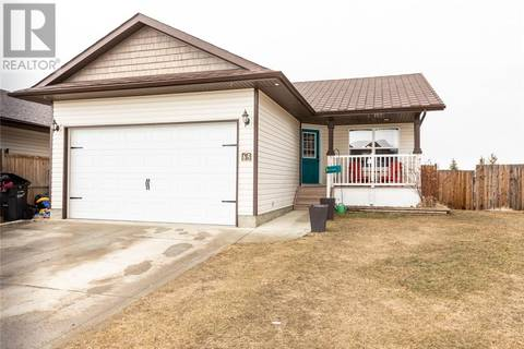 House for sale at 65 Mann Dr Penhold Alberta - MLS: ca0163972