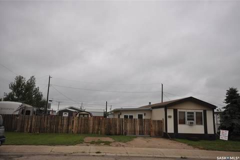 Home for sale at 65 Prairie Winds Estates Kindersley Saskatchewan - MLS: SK808124