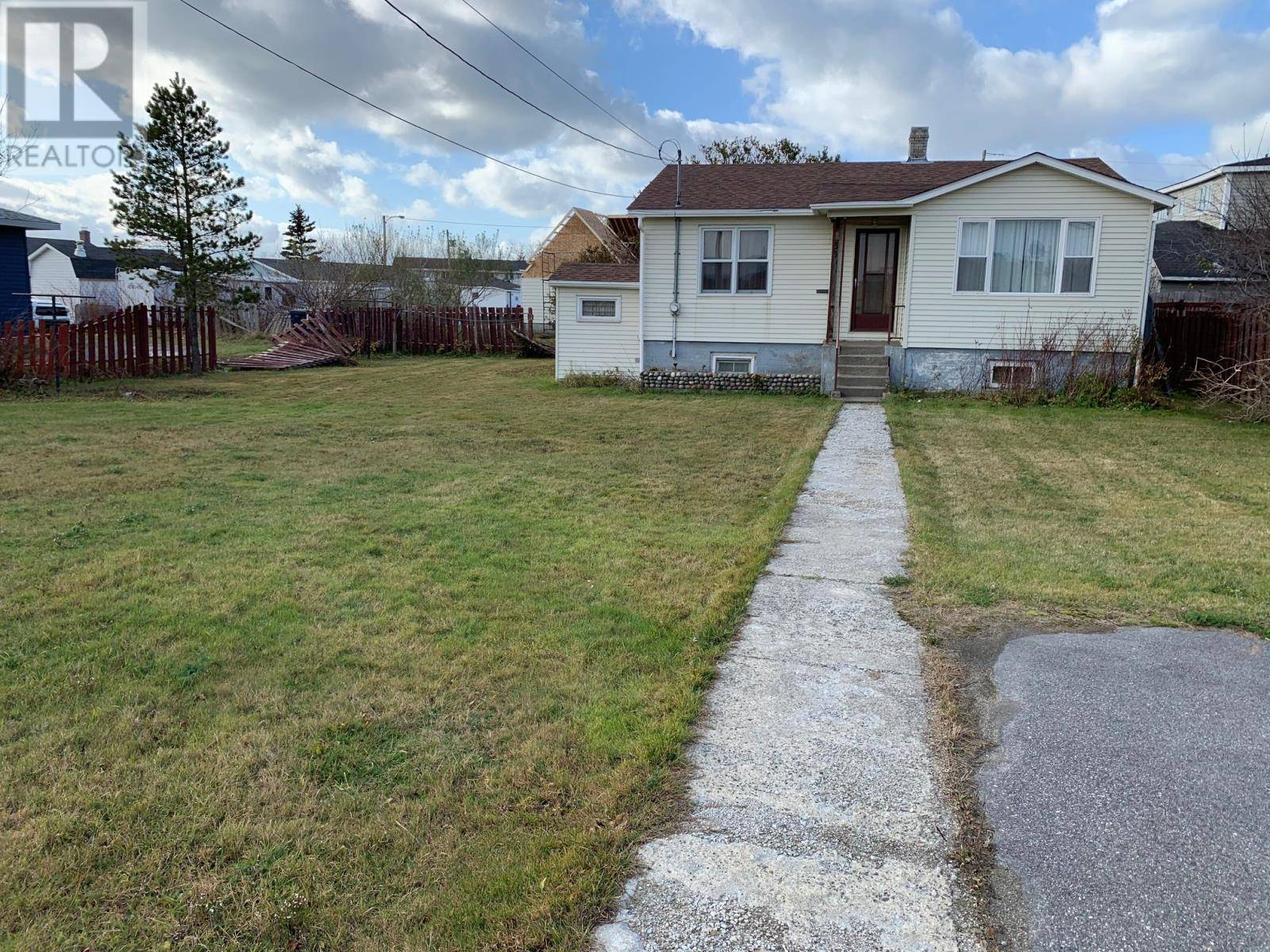House for sale at 65 Queen St Stephenville Newfoundland - MLS: 1200137