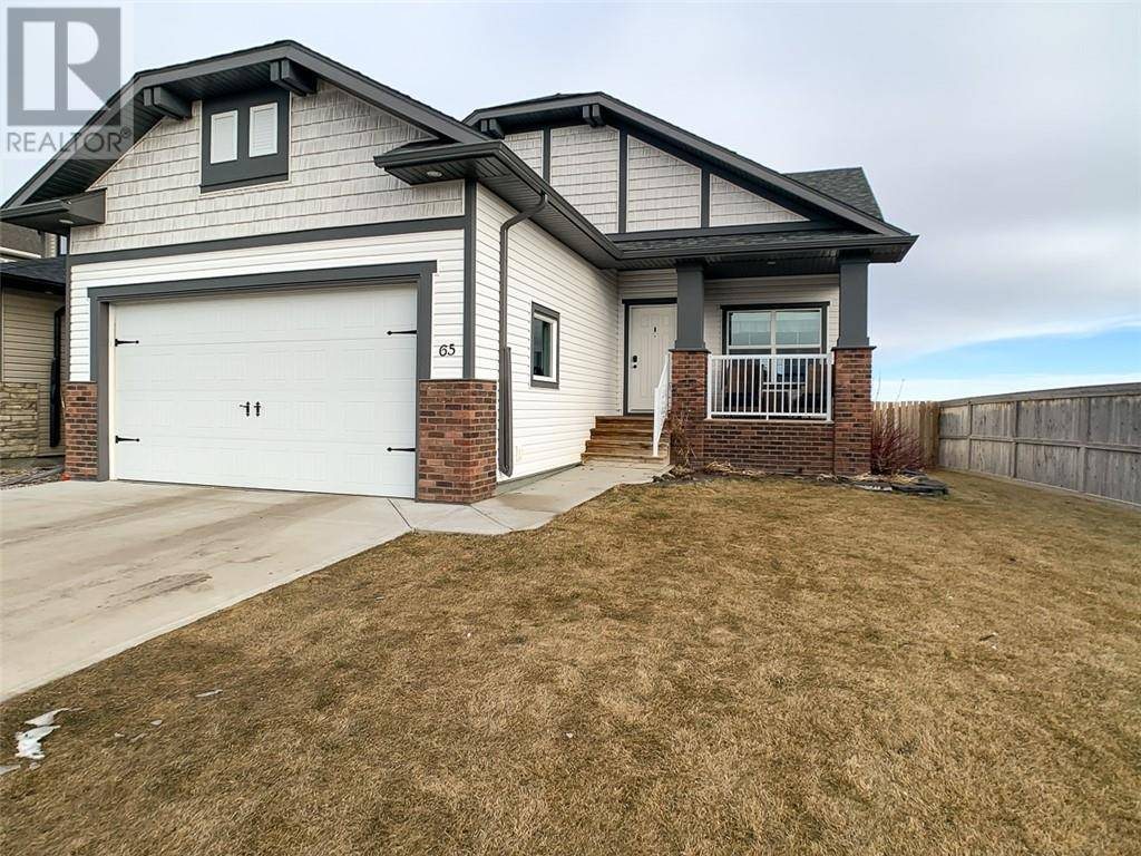 House for sale at 65 Riverine Ln W Lethbridge Alberta - MLS: ld0186585