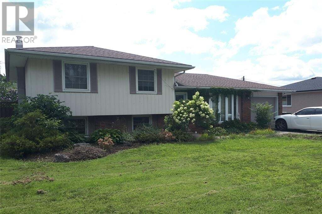 House for sale at 650 Victory  Lasalle Ontario - MLS: 20009791