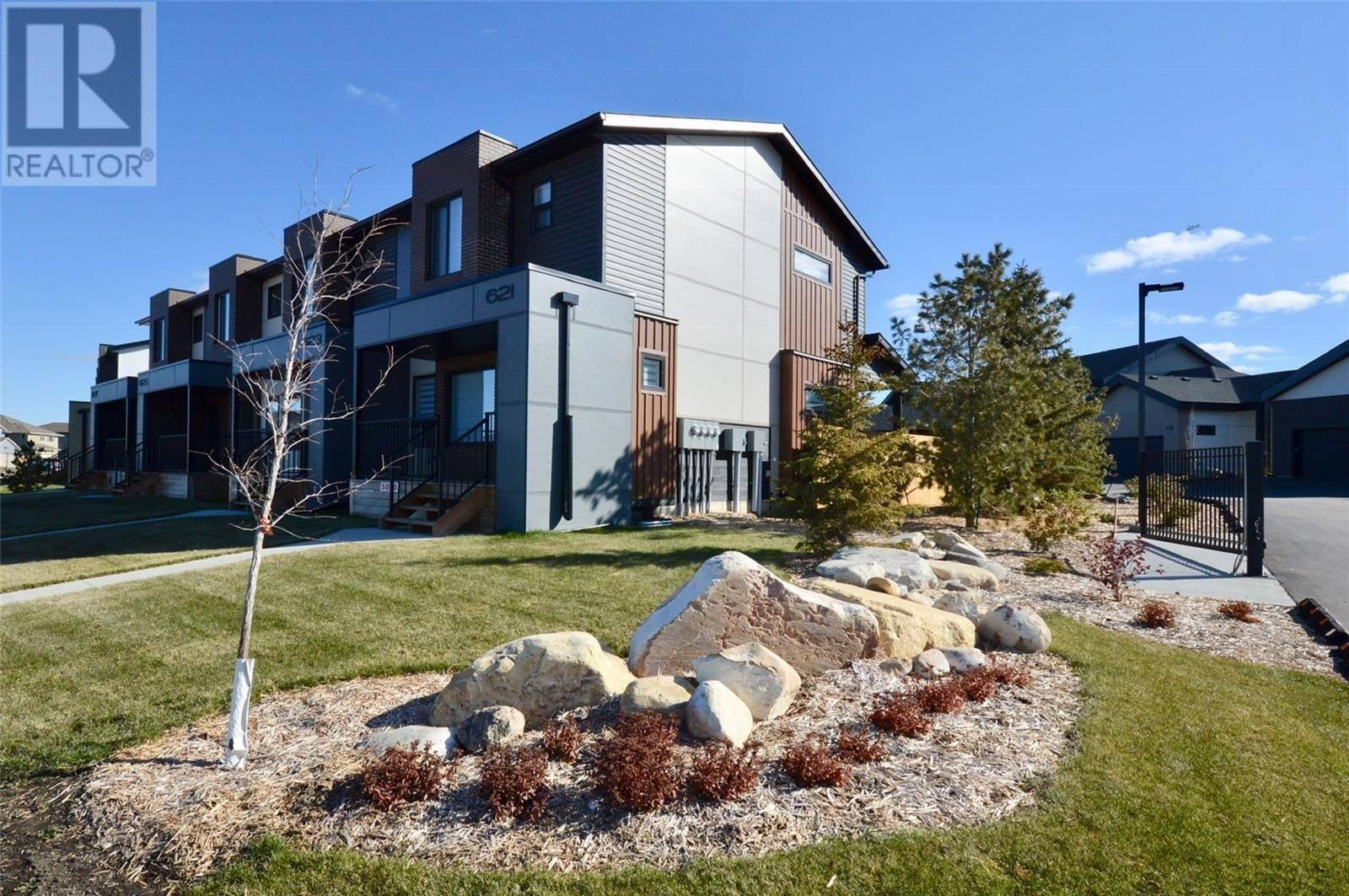 Townhouse for sale at 651 Evergreen Blvd Saskatoon Saskatchewan - MLS: SK787661