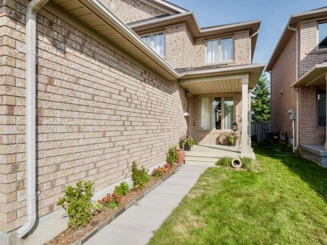For Sale: 6517 Saratoga Way, Mississauga, ON | 3 Bed, 3 Bath Townhouse for $699,900. See 20 photos!