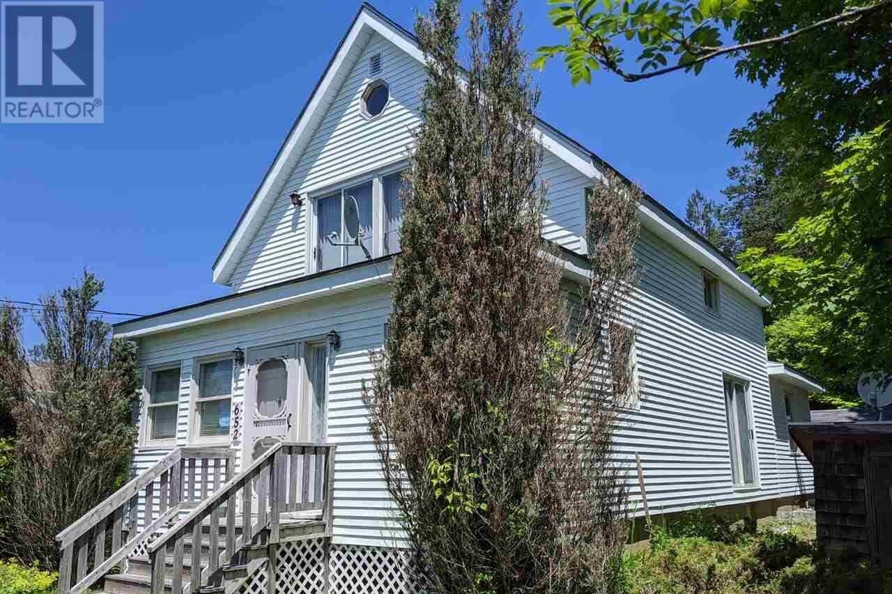 House for sale at 652 Lorne St New Glasgow Nova Scotia - MLS: 202012743