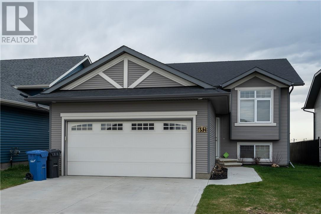 Removed: 652 Robinson Avenue, Penhold, AB - Removed on 2019-06-17 07:09:12