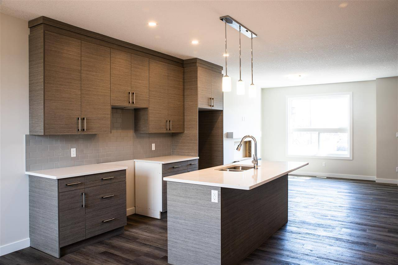 Townhouse for sale at 6520 Chappelle Vista Sw Edmonton Alberta - MLS: E4177164