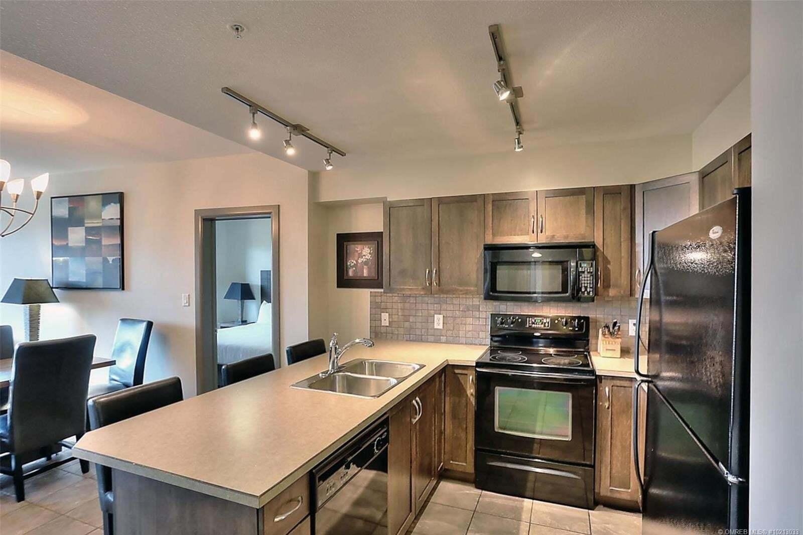 Condo for sale at 654 Cook Rd Kelowna British Columbia - MLS: 10213033