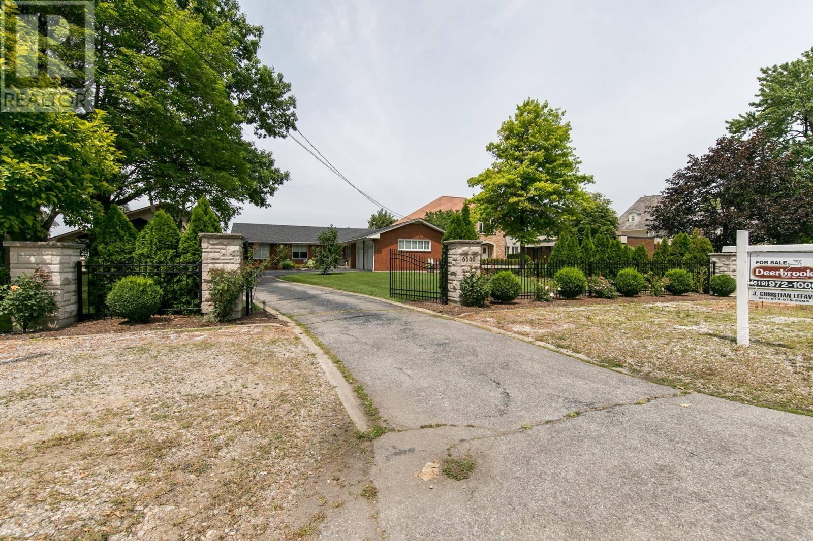 6540 Riverside Drive East, Windsor | Image 2