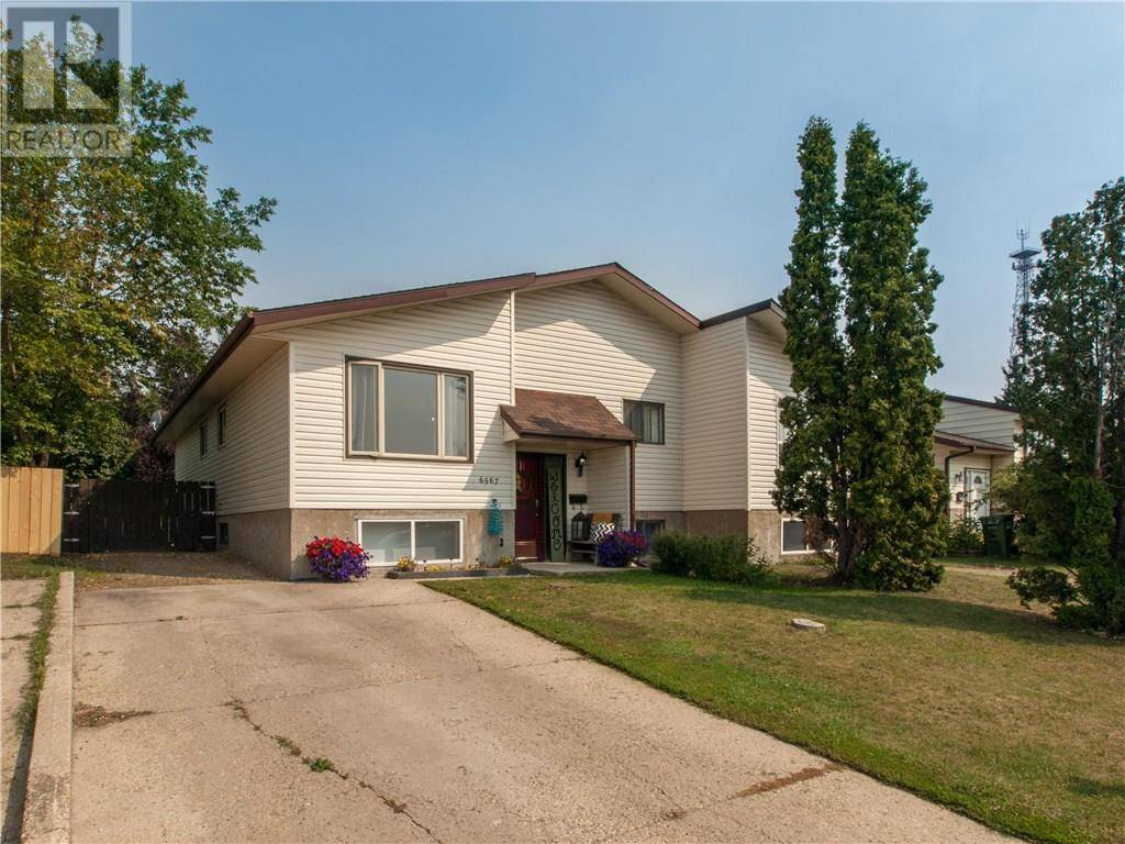 Townhouse for sale at 6567 58 Ave Red Deer Alberta - MLS: ca0172556