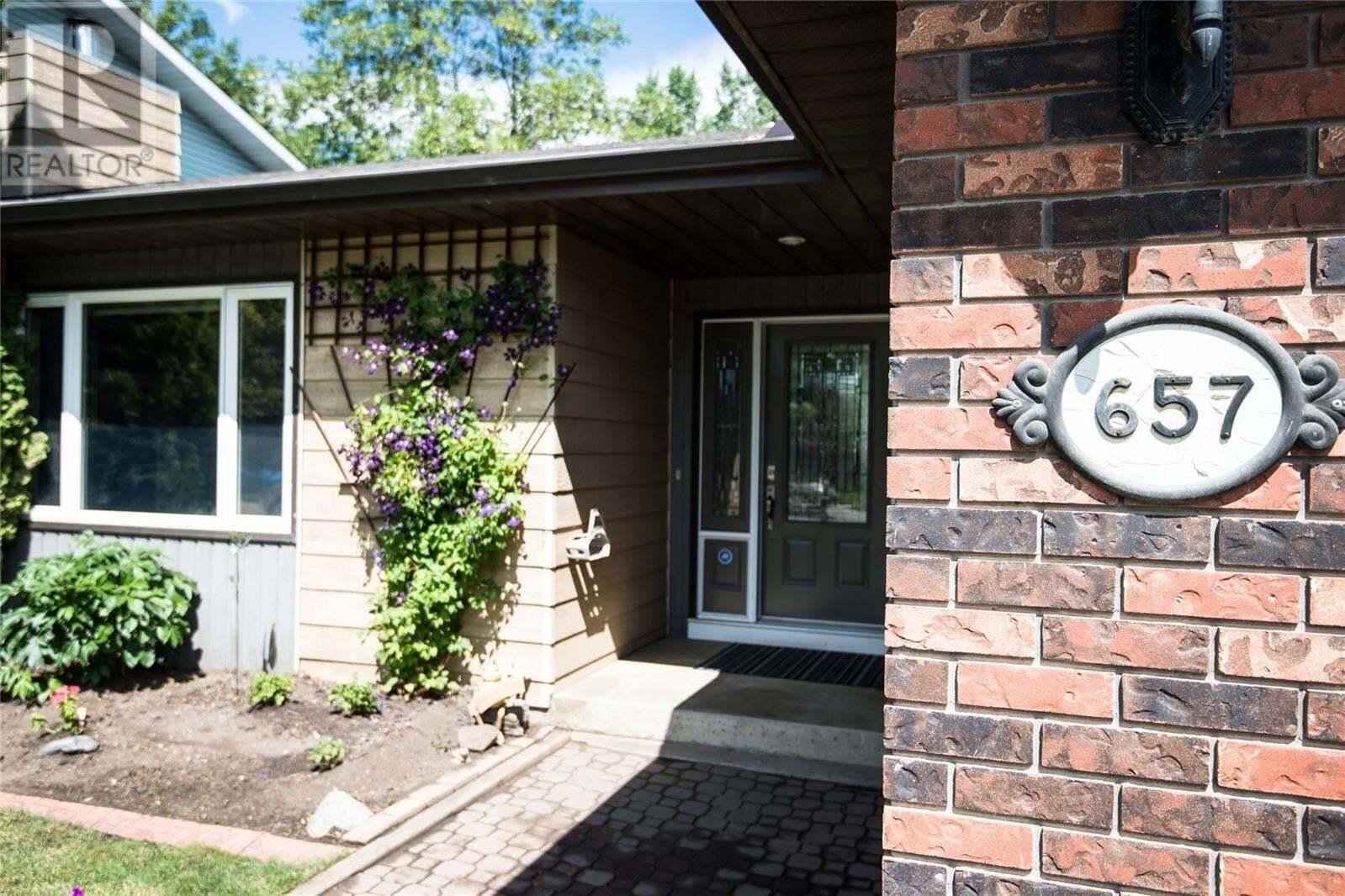 House for sale at 657 Reid Rd Saskatoon Saskatchewan - MLS: SK818853