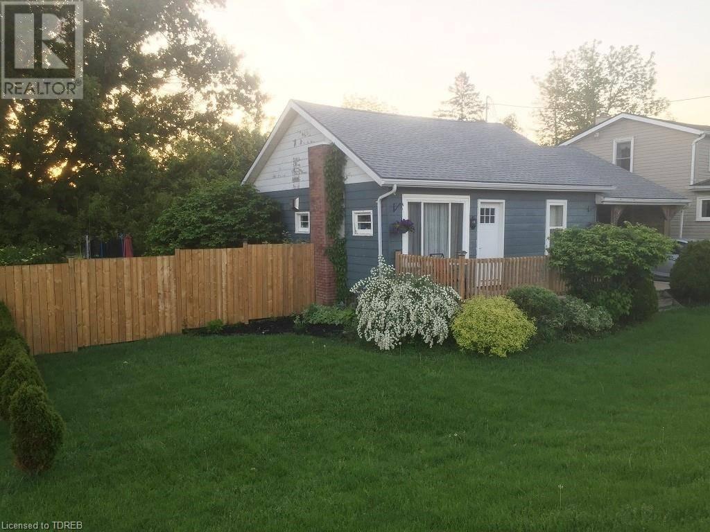 House for sale at 658 Broadway St Tillsonburg Ontario - MLS: 242005