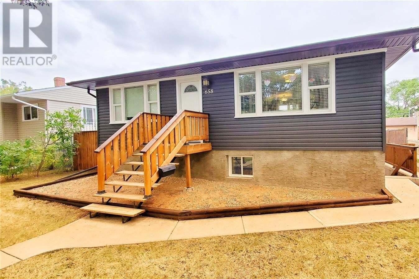 House for sale at 658 Princess St Regina Saskatchewan - MLS: SK827081