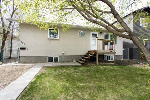 House for sale at 658 Wascana St Regina Saskatchewan - MLS: SK772670