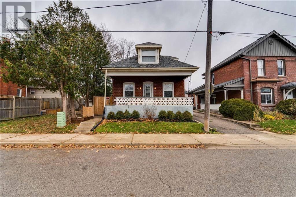 House for sale at 66 Brock St Brantford Ontario - MLS: 30762377