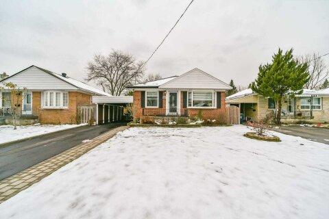 House for sale at 66 Lynvalley Cres Toronto Ontario - MLS: E5000399