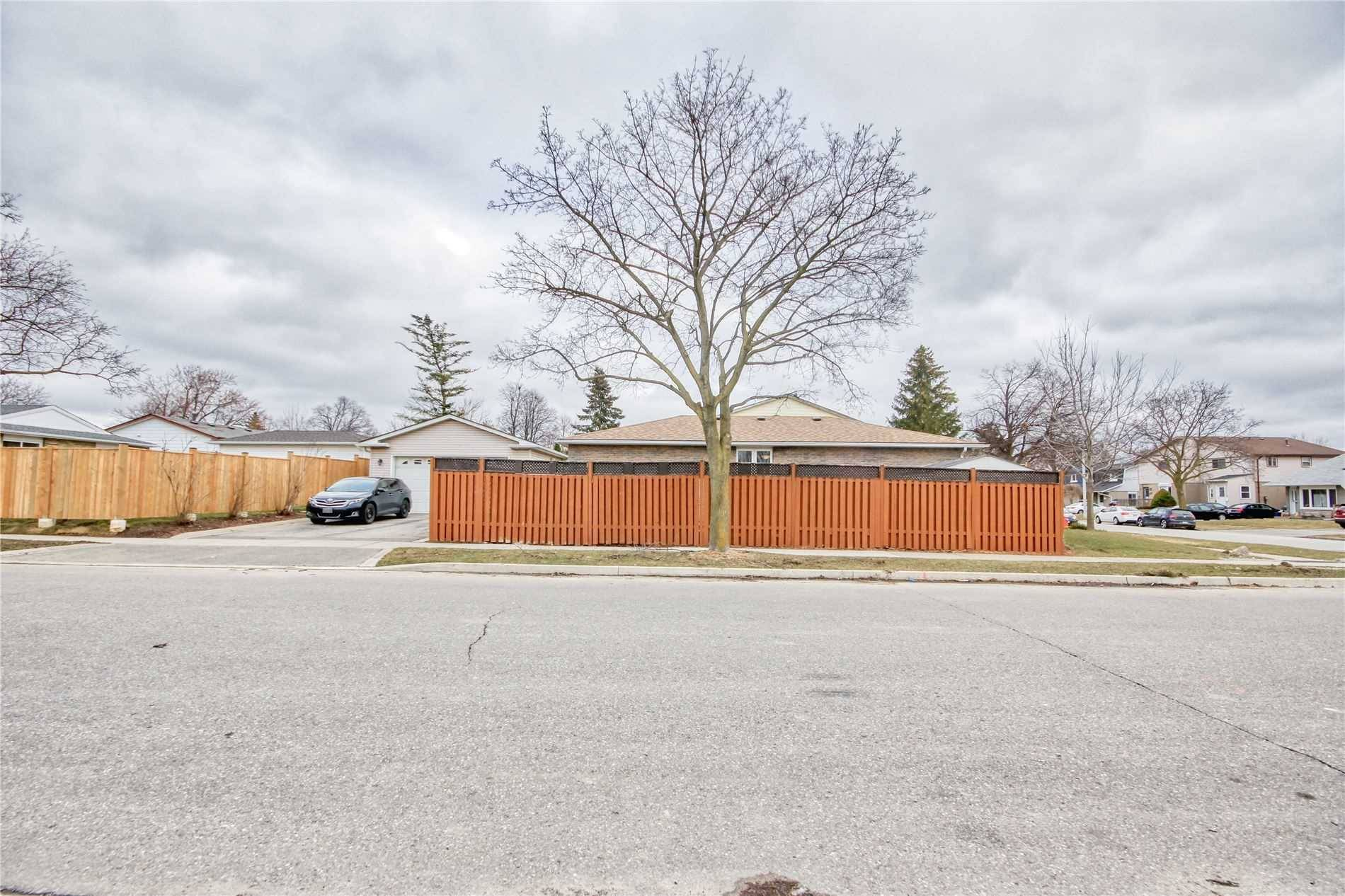 House for sale at 66 Tindale Rd Brampton Ontario - MLS: W4728299