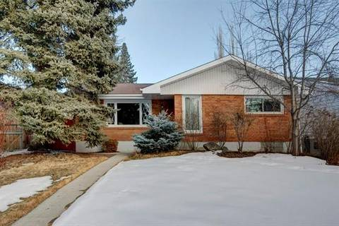 House for sale at 6608 Longmoor Wy Southwest Calgary Alberta - MLS: C4288348