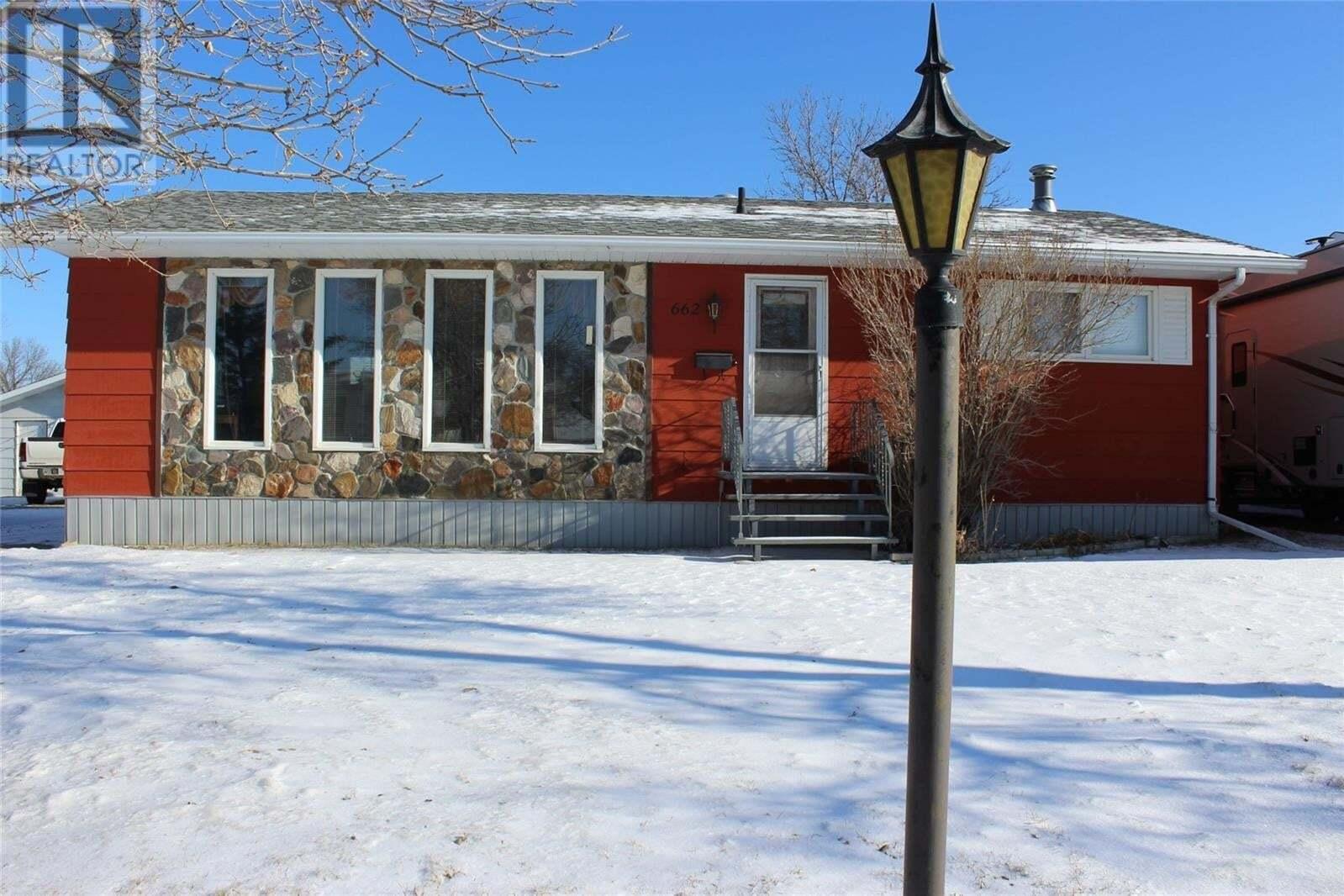 House for sale at 662 9th St W Shaunavon Saskatchewan - MLS: SK823823