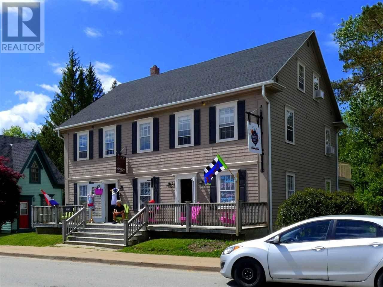 Townhouse for sale at 662 Main St Mahone Bay Nova Scotia - MLS: 202003429