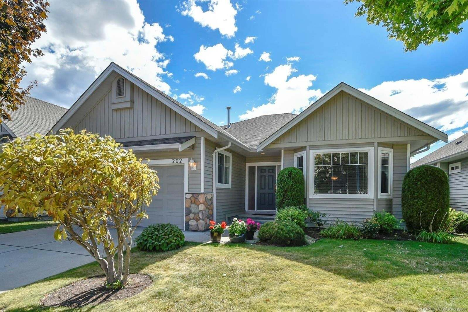 House for sale at 665 Cook Rd Kelowna British Columbia - MLS: 10215085