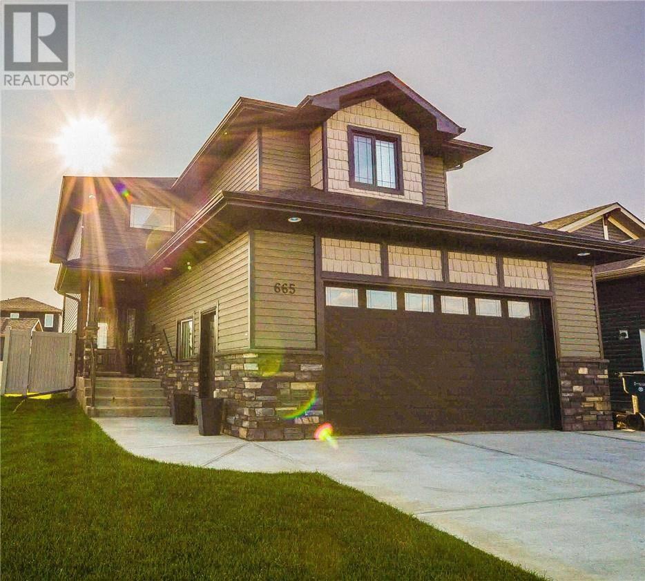 House for sale at 665 Vista Dr Se Medicine Hat Alberta - MLS: mh0175829