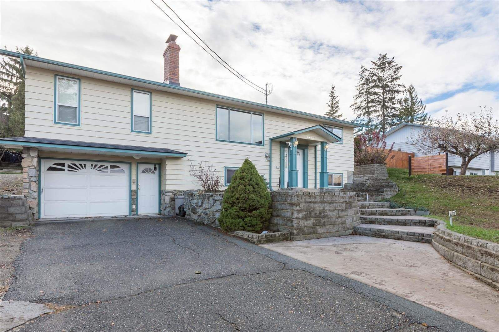 House for sale at 6666 Longacre Dr Vernon British Columbia - MLS: 10220401