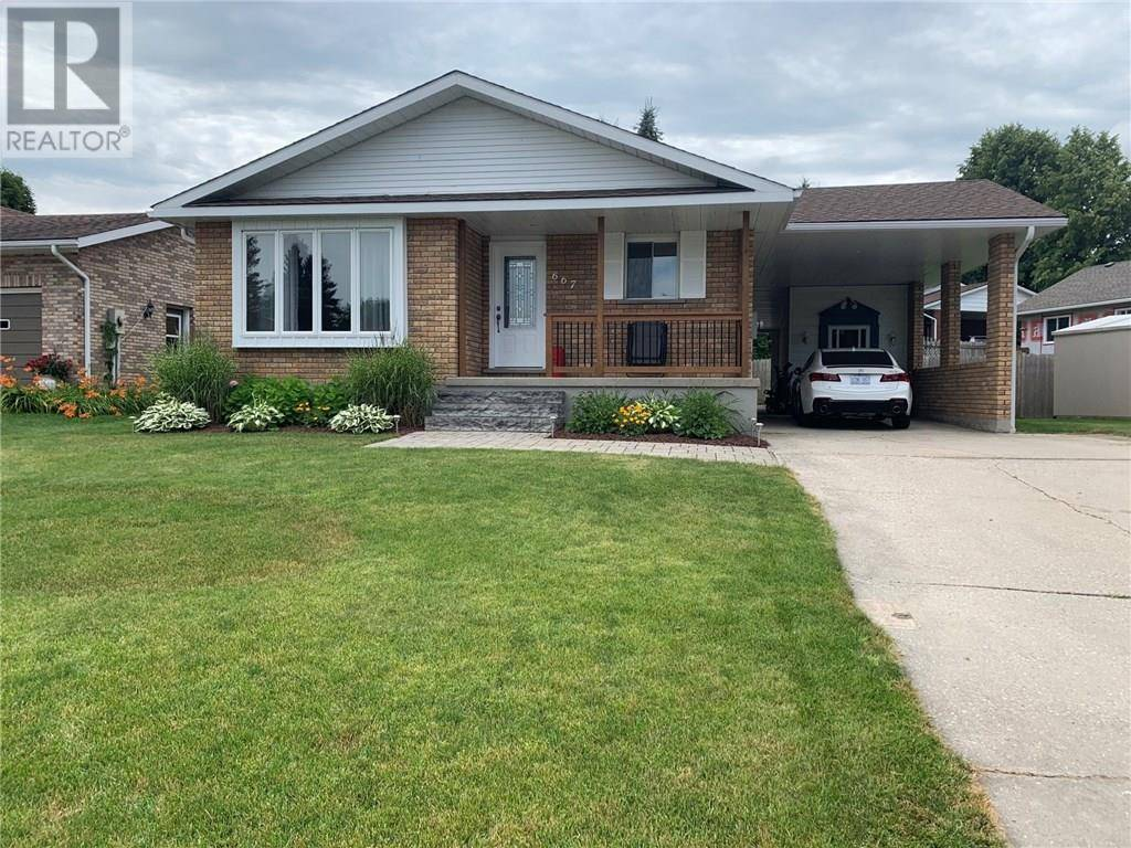 House for sale at 667 16th St Hanover Ontario - MLS: 30761751
