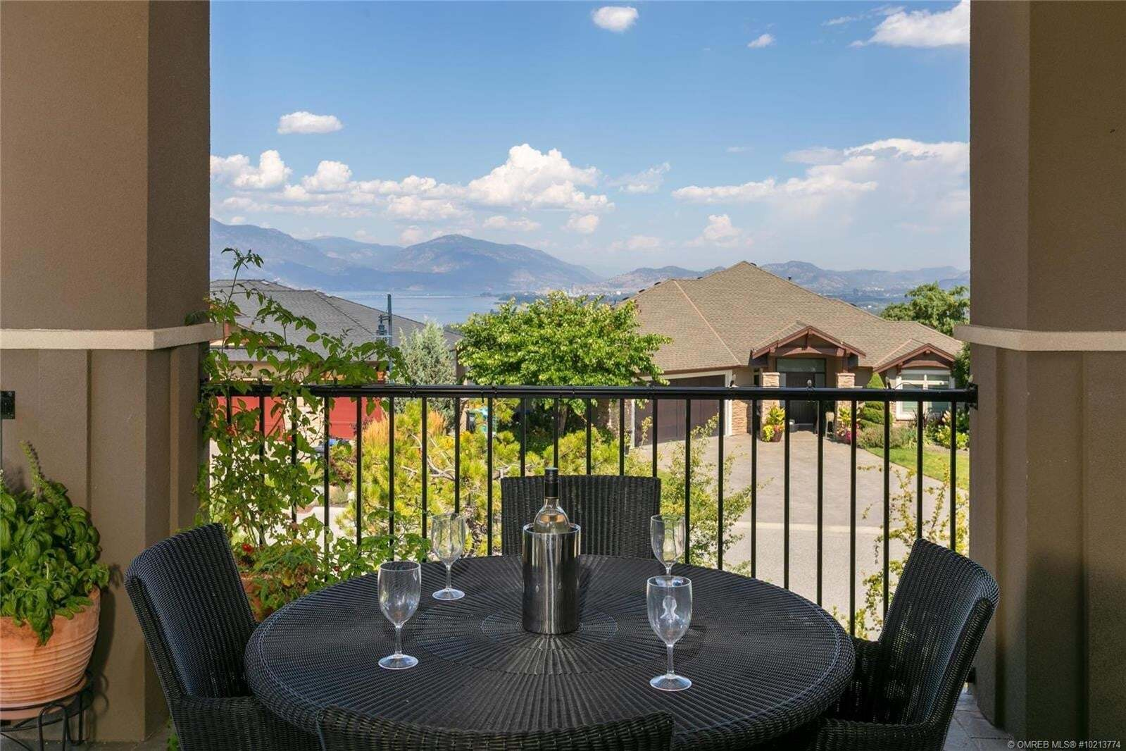 House for sale at 667 Devonian Ave Kelowna British Columbia - MLS: 10213774