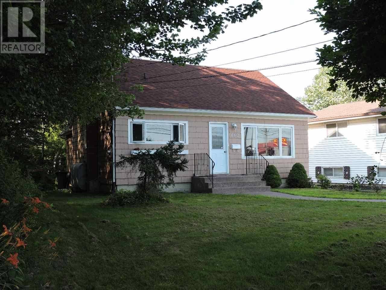 House for sale at 667 Portland St Dartmouth Nova Scotia - MLS: 201918452