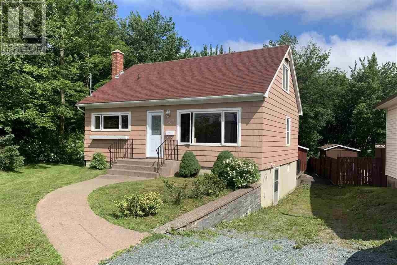 House for sale at 667 Portland St Dartmouth Nova Scotia - MLS: 202012139