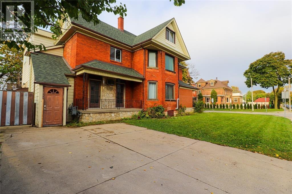 Townhouse for sale at 669 Marentette  Windsor Ontario - MLS: 20014341