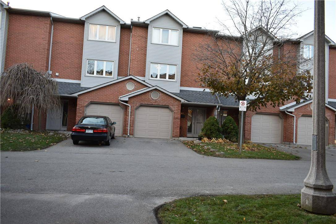 Townhouse for sale at 72 Stone Church Rd W Unit 67 Hamilton Ontario - MLS: H4068954
