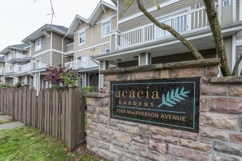 Townhouse for sale at 7388 Macpherson Ave Unit 67 Burnaby British Columbia - MLS: R2496736
