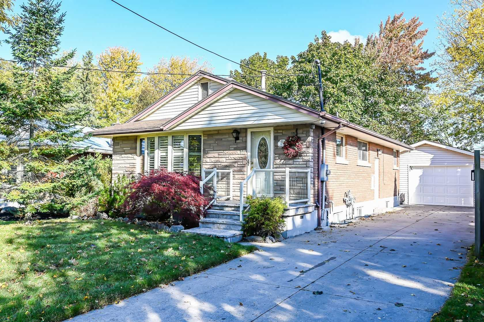 For Sale: 67 Briarwood Crescent, Hamilton, ON | 2 Bed, 2 Bath House for $680000.00. See 39 photos!