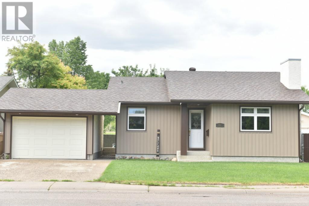 For Sale: 67 Edenwold Crescent, Regina, SK | 3 Bed, 2 Bath House for $349,900. See 42 photos!