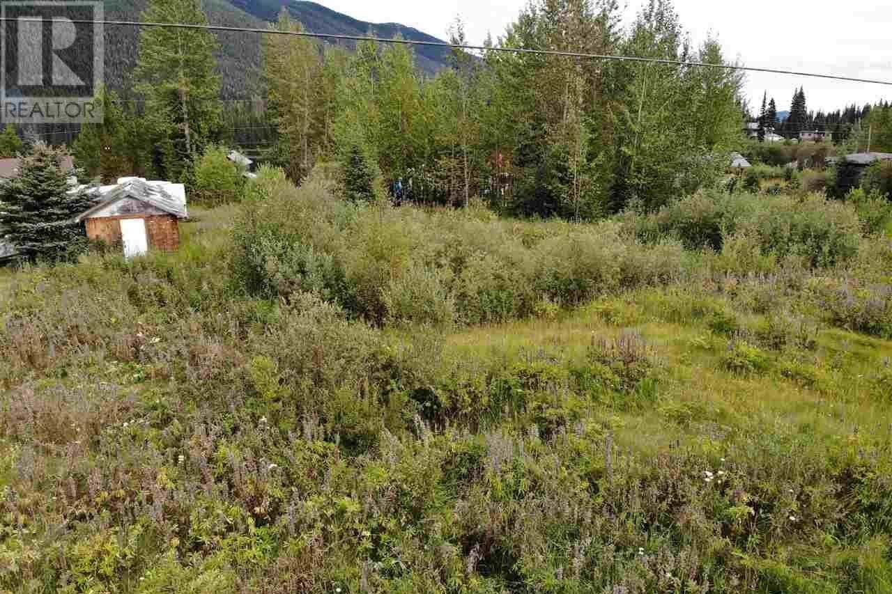Home for sale at 670 B Rd Canim Lake British Columbia - MLS: R2490024