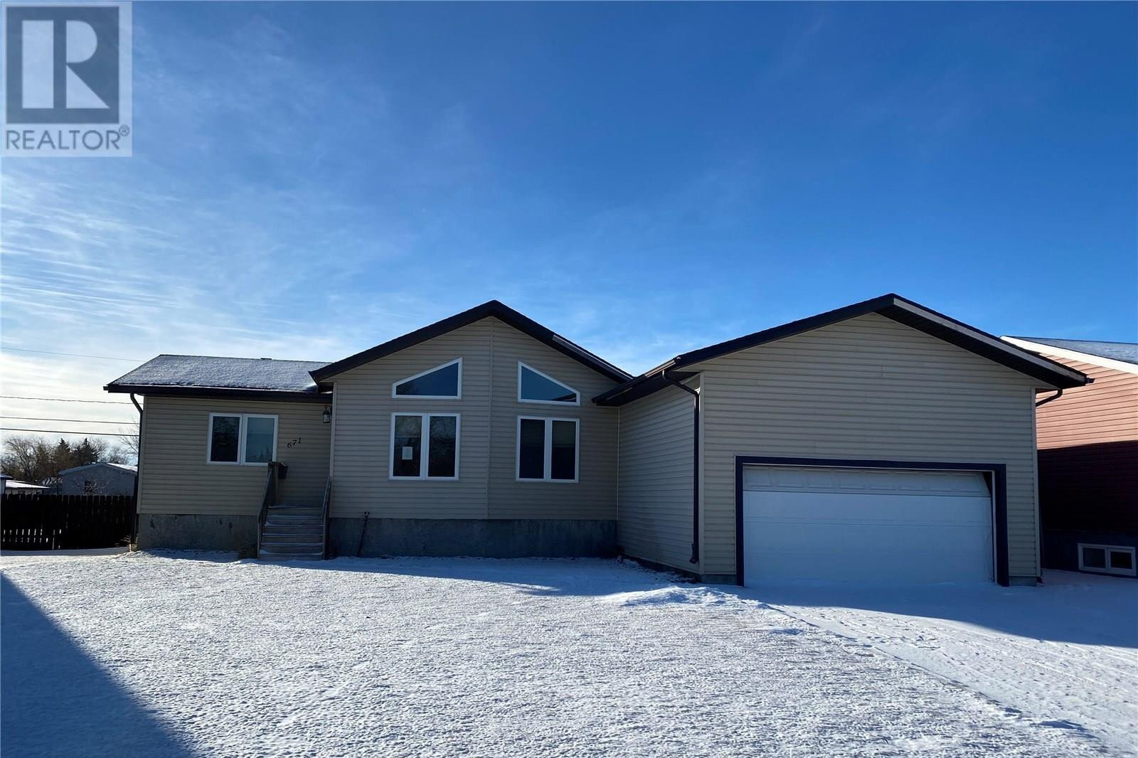 House for sale at 671 6th Ave W Melville Saskatchewan - MLS: SK834336