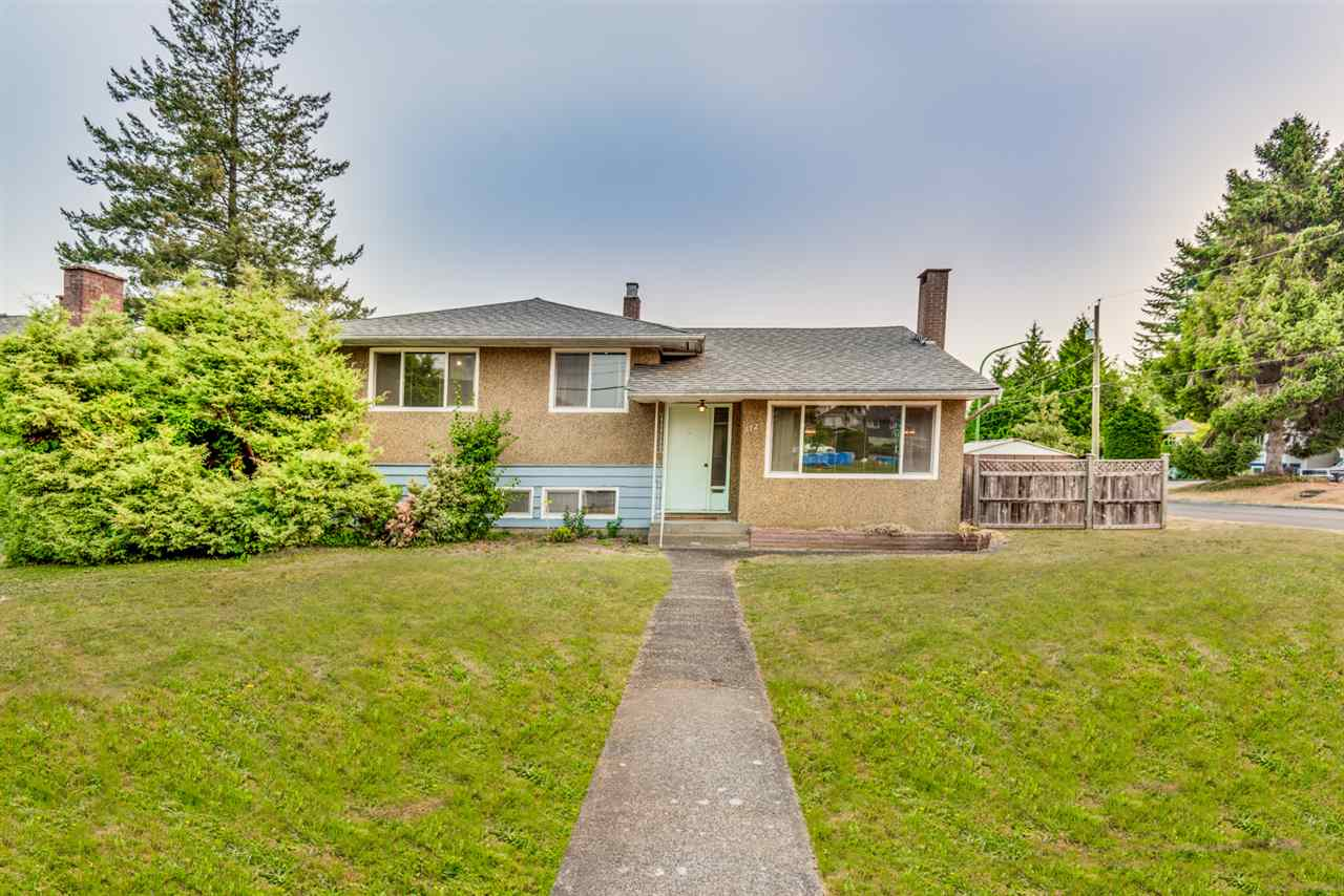 For Sale: 6720 Gordon Avenue, Burnaby, BC | 3 Bed, 2 Bath House for $1,399,000. See 20 photos!