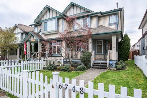 Townhouse for sale at 6748 184 St Surrey British Columbia - MLS: R2369890