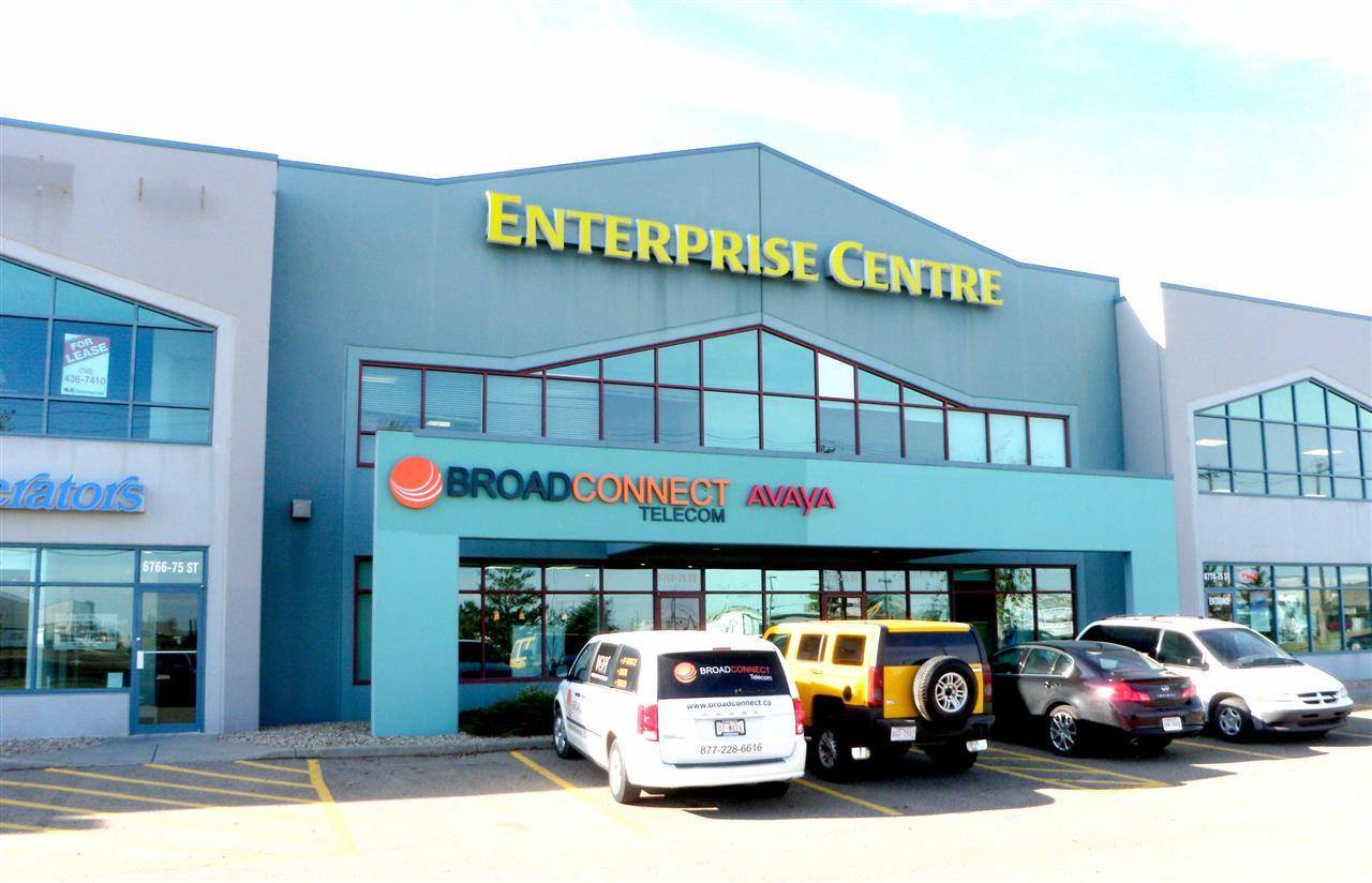 Commercial property for lease at 6768 75 St Nw Edmonton Alberta - MLS: E4165618