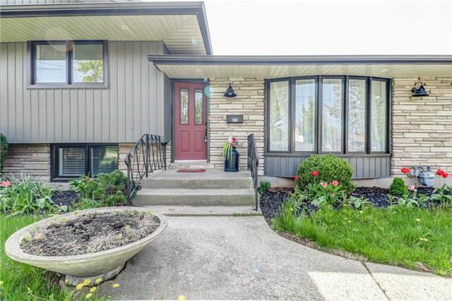 For Sale: 679 Vine Street, St Catharines, ON | 3 Bed, 2 Bath House for $549,000. See 20 photos!