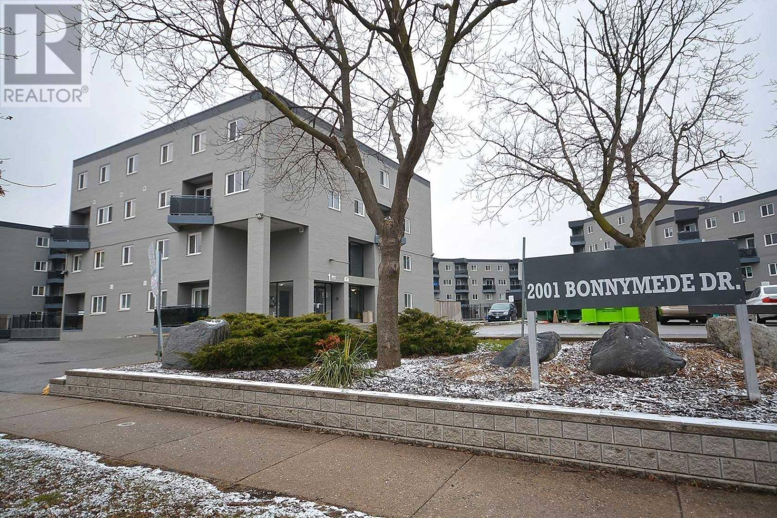Townhouse for rent at 2001 Bonnymede Dr Unit 68 Mississauga Ontario - MLS: W4743319