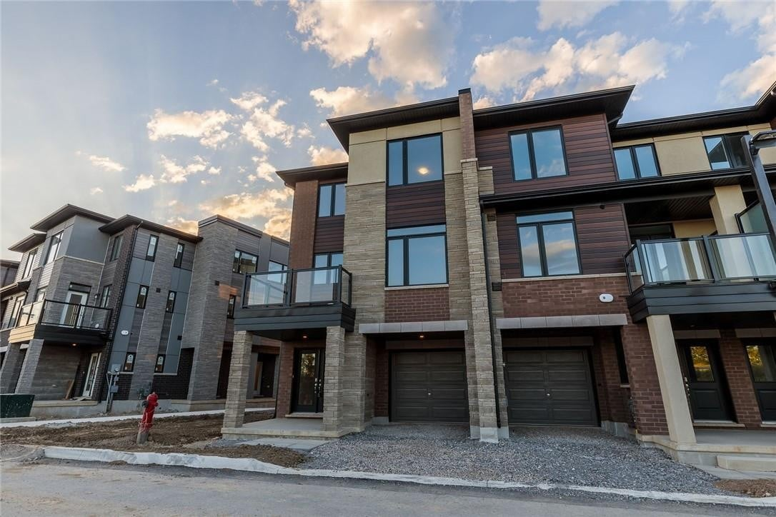 Townhouse for sale at 590 North Service Rd Unit 68 Stoney Creek Ontario - MLS: H4087482