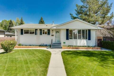 House for sale at 68 Baker Cres Northwest Calgary Alberta - MLS: C4299691
