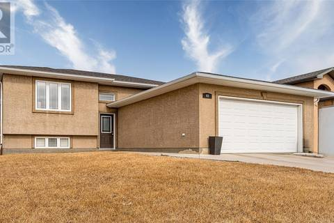 House for sale at 68 Goldenglow Dr Moose Jaw Saskatchewan - MLS: SK804212